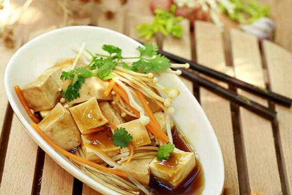 Cách làm món ngon chuẩn nhà hàng với nước tương CHIN-SU tỏi ớt