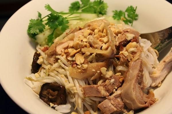 Nước mắm CHIN-SU và bí kíp tạo nên các món trộn ngon khó cưỡng